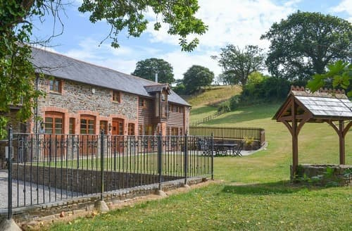 Last Minute Cottages - Deepwell Barn
