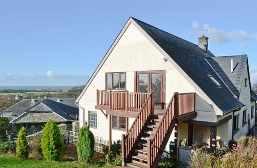 Last Minute Cottages - Ty Heddlu Sea View - First Floor