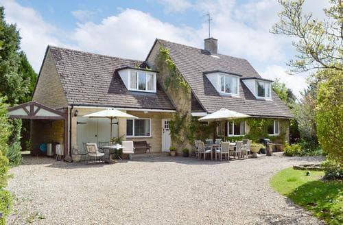 Last Minute Cottages - Alderley House