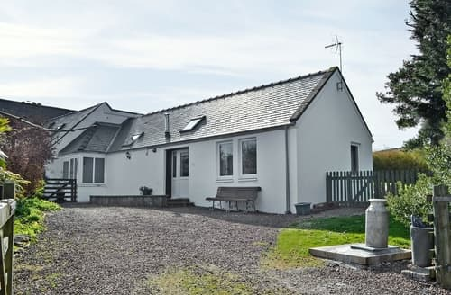 Last Minute Cottages - Luxury Castle Douglas Cottage S23576