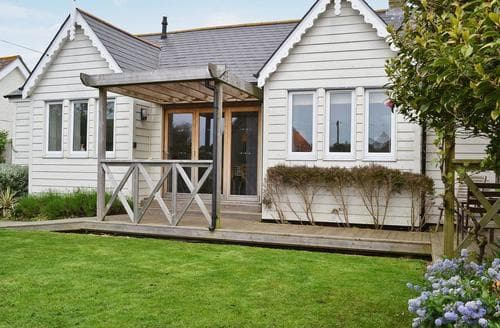 Last Minute Cottages - Quaint Bognor Regis Cottage S13864