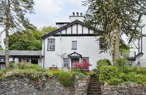 Big Cottages - Attractive Bowness On Windermere Cottage S24410