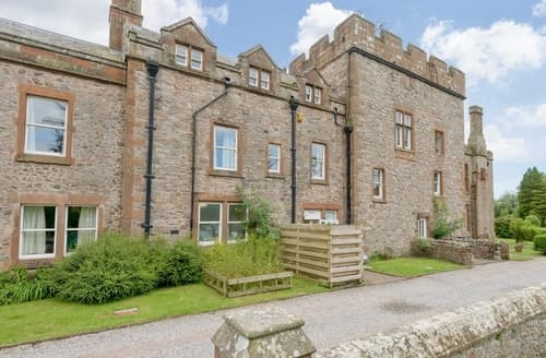Big Cottages - Pele Tower - 25366