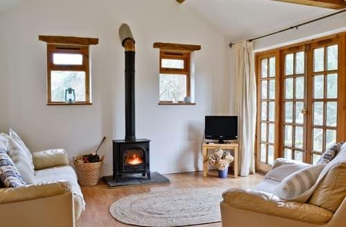 Last Minute Cottages - Maple Tree Cottage