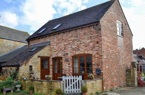 Last Minute Cottages - Beautiful Broadway Cottage S24472