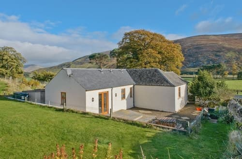 Last Minute Cottages - Superb Peebles Cottage S24321