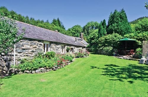 Last Minute Cottages - Beautiful Barmouth Cottage S22145
