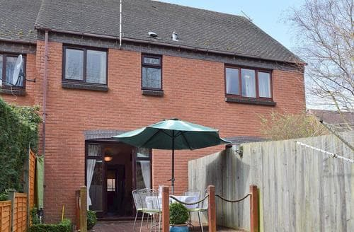 Last Minute Cottages - Tasteful Stratford Upon Avon Cottage S15922