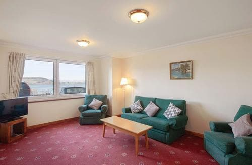 Last Minute Cottages - Cosy Oban Apartment S23118