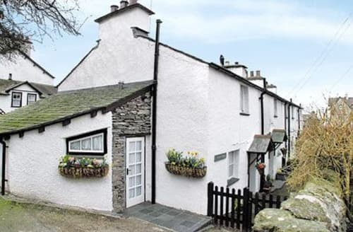 Last Minute Cottages - Wonderful Bowness On Windermere Cottage S24408