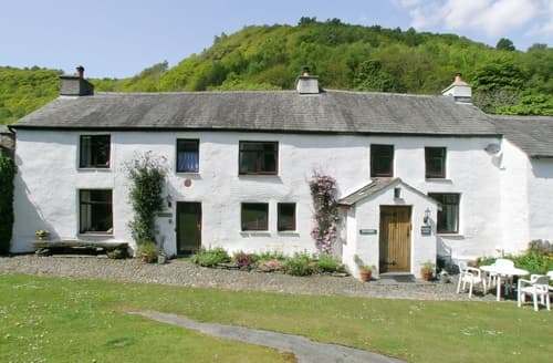 Last Minute Cottages - Church House