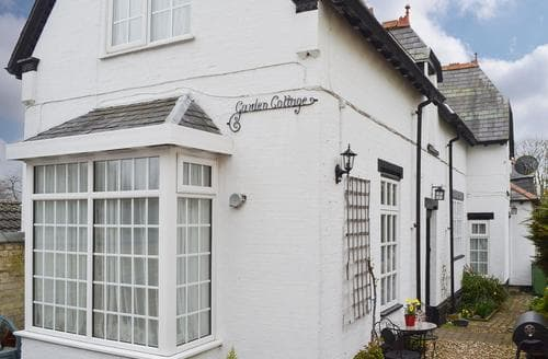Dog Friendly Cottages - Gorgeous Bridlington Cottage S14831