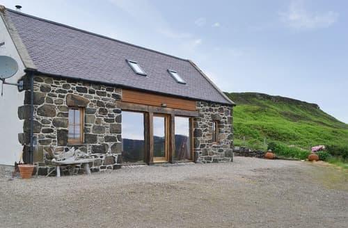 Last Minute Cottages - Quaint Portree Cottage S105169