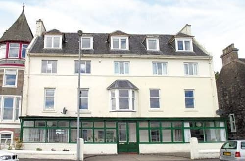 Dog Friendly Cottages - Attractive All Isle Of Bute Apartment S24777