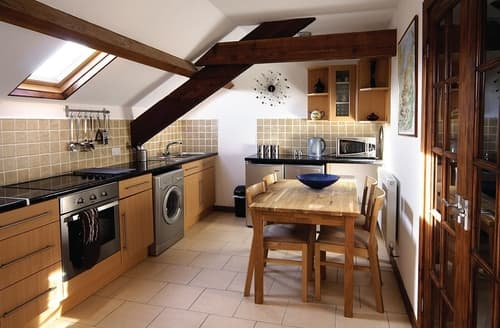 Last Minute Cottages - The Granary - HW7675