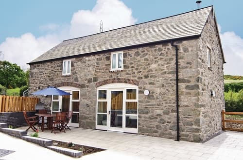 Last Minute Cottages - The Coach House - HW7593