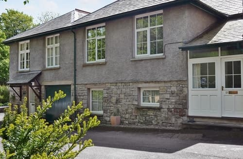 Last Minute Cottages - Charming Grange Over Sands Cottage S18482