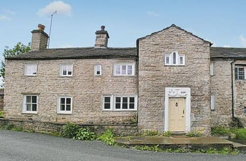 Last Minute Cottages - The Old Hall