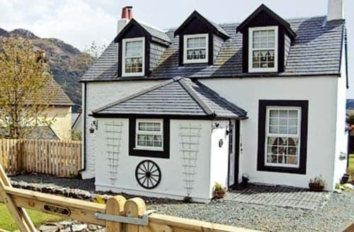 Last Minute Cottages - Tasteful Helensburgh Cottage S23032