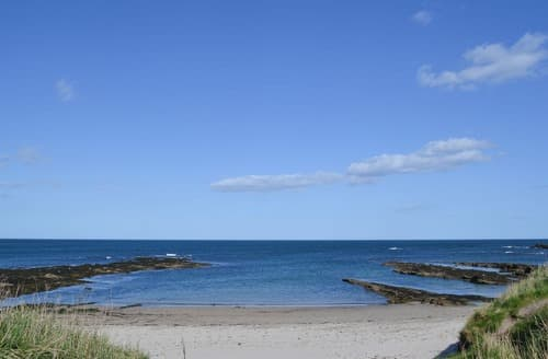 Dog Friendly Cottages - Charming Beadnell Apartment S129017