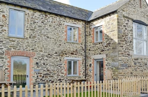 Last Minute Cottages - Fox Barn