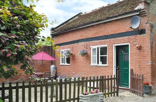 Last Minute Cottages - Tasteful Woodbridge Cottage S18087
