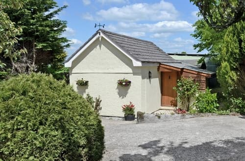 Last Minute Cottages - THE HEN HOUSE
