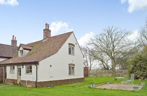 Last Minute Cottages - Lovely Great Yarmouth Cottage S26090