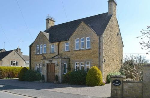 Big Cottages - Lovely Bourton On The Water Cottage S26230