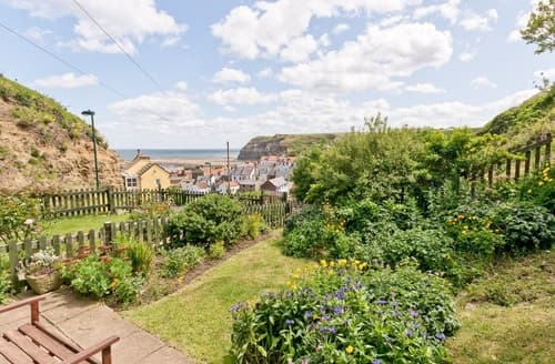 Last Minute Cottages - Charming Staithes Cottage S15510