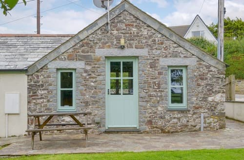 Last Minute Cottages - Superb Crackington Haven Cottage S24634