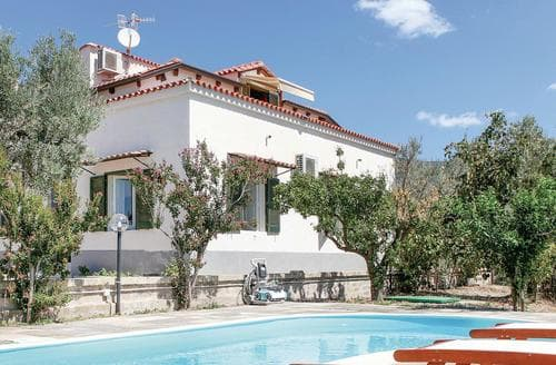 Last Minute Cottages - Villa Odabella