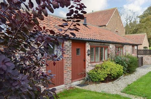 Dog Friendly Cottages - Splendid Selby Cottage S15470