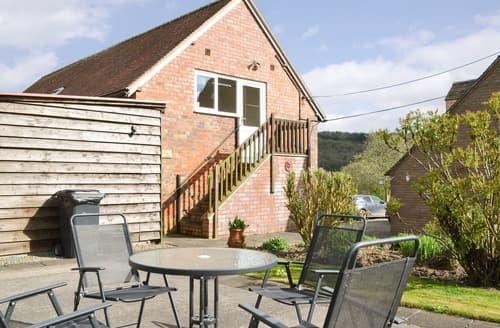 Last Minute Cottages - Captivating Church Stretton Apartment S16770