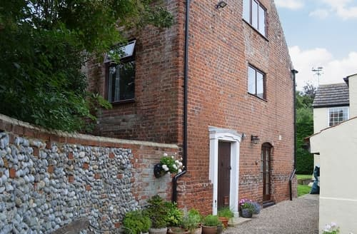 Last Minute Cottages - Beautiful Great Yarmouth Cottage S40941