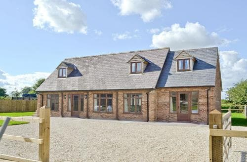 Big Cottages - Delightful Chippenham Cottage S41324