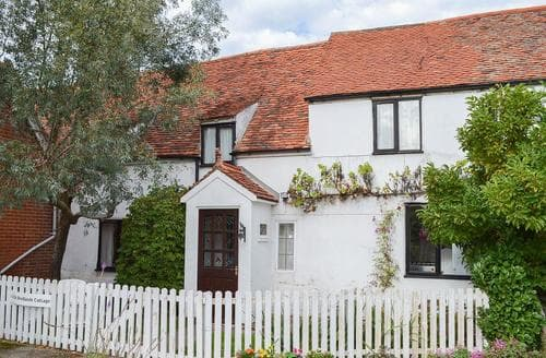 Last Minute Cottages - Charming Canterbury Cottage S13574