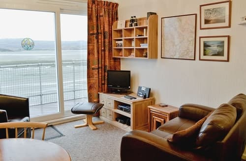 Last Minute Cottages - Attractive Porthmadog Apartment S24769