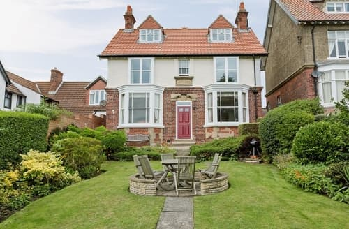Last Minute Cottages - Splendid Robin Hood's Bay Cottage S24579