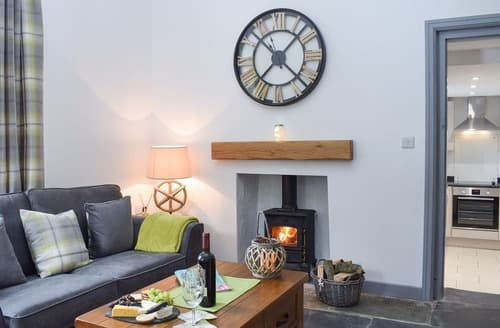 Last Minute Cottages - Cilwendeg Lodge