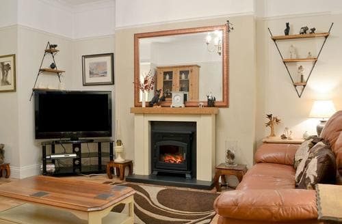 Last Minute Cottages - Chestney House