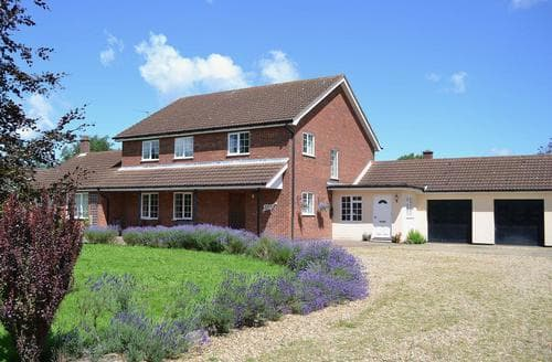 Last Minute Cottages - Marsh Farmhouse