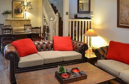 Last Minute Cottages - Exquisite Hayle Apartment S44184