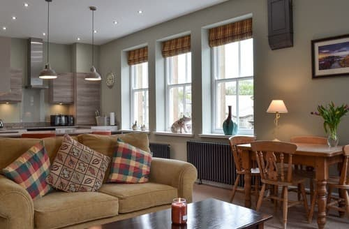 Last Minute Cottages - Excellent Buxton Apartment S98590