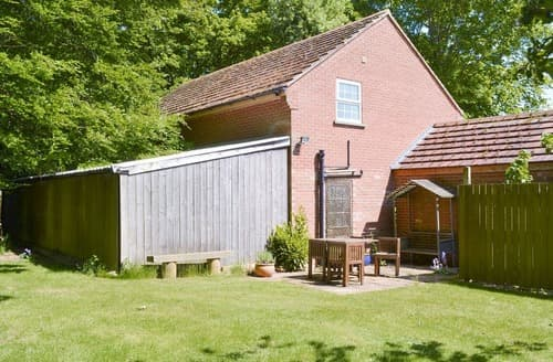 Last Minute Cottages - Wold Croft Apt