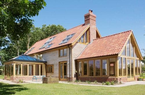 Dog Friendly Cottages - Luxury Fakenham Lodge S44766