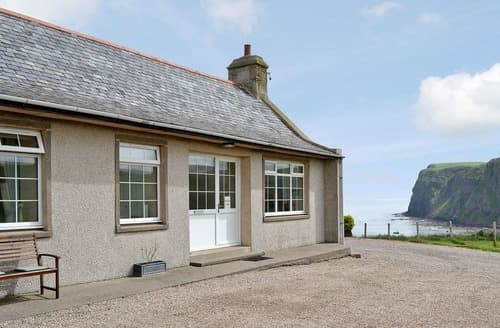 Last Minute Cottages - Lovely Banff Lodge S24281