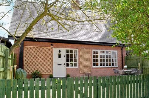 Last Minute Cottages - Tickton Hall Cottage