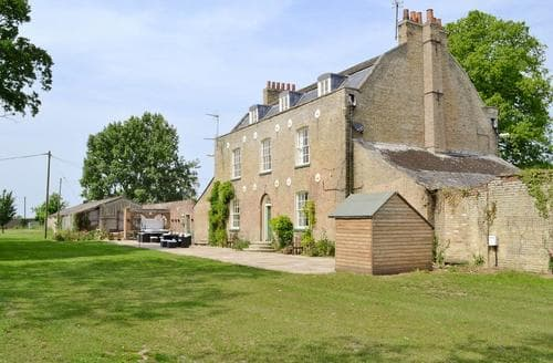 Last Minute Cottages - Lode Hall