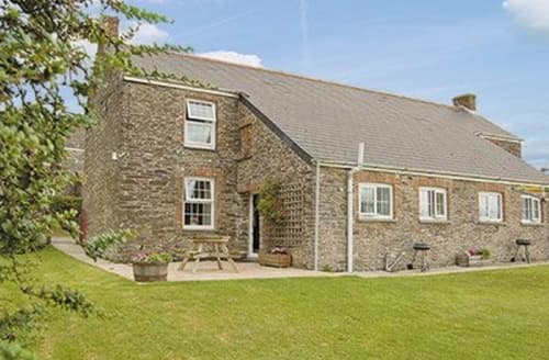 Dog Friendly Cottages - Adorable Padstow Cottage S20624